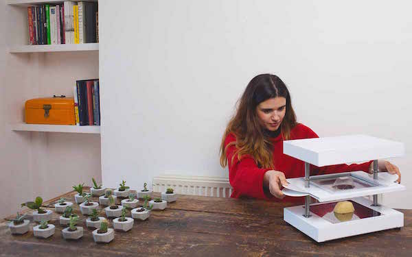 New Gadget Allows Anyone To Easily Turn Their Designs Into Real Products At Home