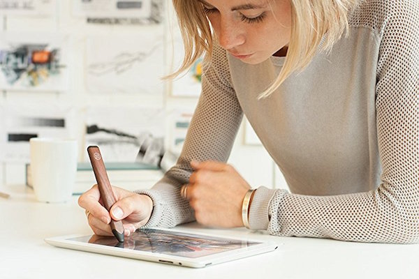 For Designers: Three Great iPad Pens To Use With Your Favorite Drawing App