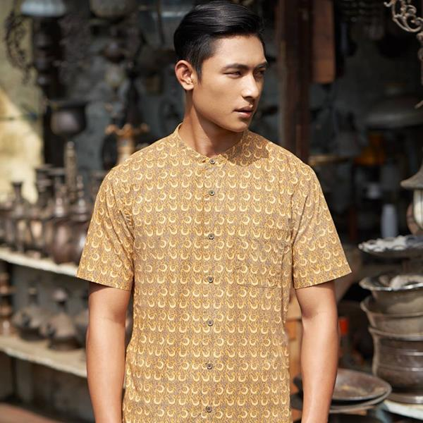 UNIQLO Unveils Art-Styled 'Batik Motif' Collection For