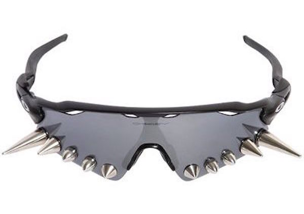 29763fbdd4 Vetements  Spiked Oakley Sunglasses Will Give You The Ultimate ...