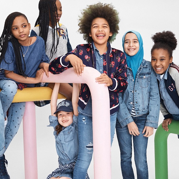 American fashion retailer Gap has earned kudos from netizens for its latest  campaign, which features a Muslim girl wearing a hijab in its back to school
