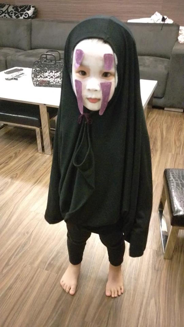 Spirited Away 2 2019 >> Girl Dresses As 'Spirited Away' Character Scares Classmates, Becomes A Meme - DesignTAXI.com