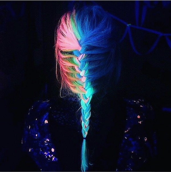 glow in the dark dye turns your hair into eye catching. Black Bedroom Furniture Sets. Home Design Ideas