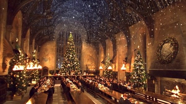 'Harry Potter' Fans Can Enjoy Christmas Dinner At Hogwart's Great Hall This Year