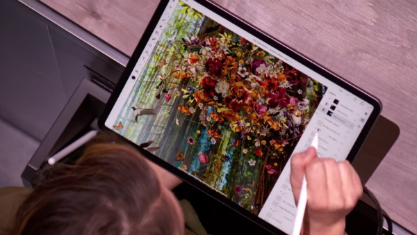 Apple Demos Full Photoshop On iPad Pro With 3GB File, 157 Layers Without Lag