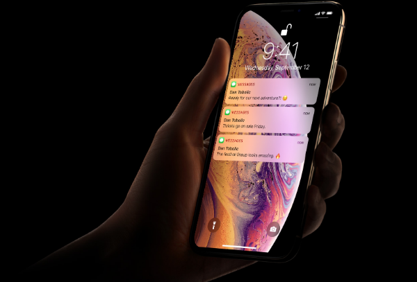 Apple's iPhone XS Already Shattered On Day One, Victims To 'Green Line Of Death' - DesignTAXI.com
