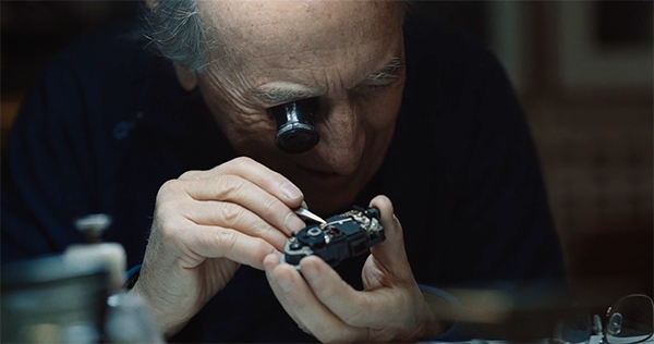 Meet The 76-Year-Old 'Master Of Camera', Who Spent His Life Repairing Cameras