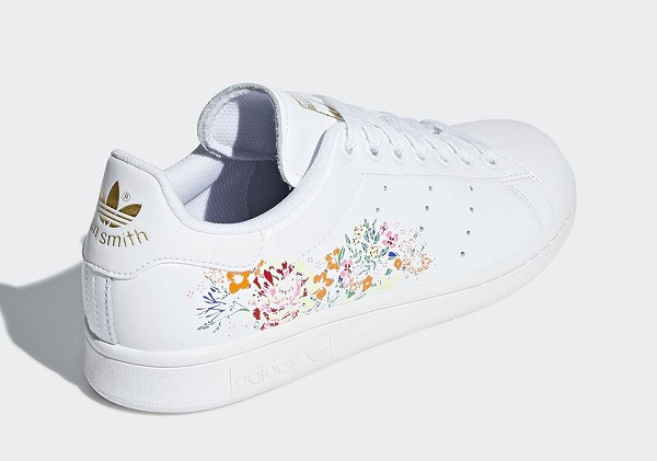 Subtle 'stan Embroidered Adidas' Are Floral Smiths' Charming Truly tqwCCO7Fn