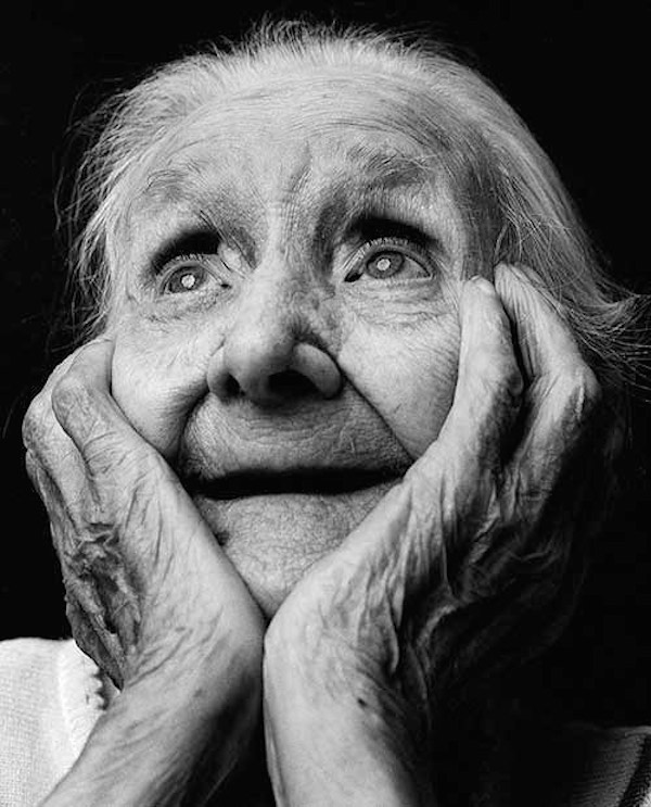 Dutch photographer alex ten napel has created a series of poignant black and white portraits that revealed the various emotions experienced by alzheimers