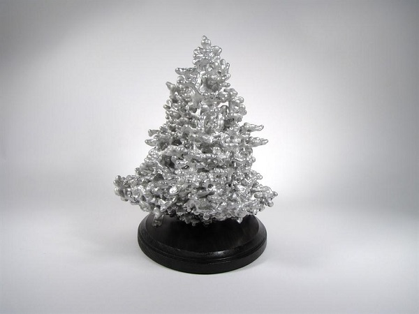 Complex And Intricate Sculptures Made By Pouring Molten