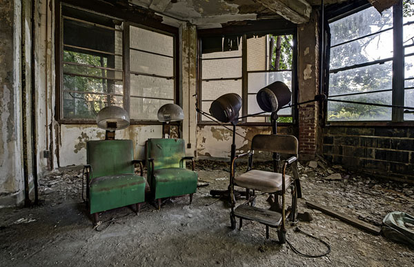 Haunting Photographs Capture The Creepy Interiors Of
