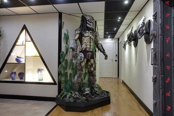 An Alien Vs Predator Themed House Is Every Fan S Dream