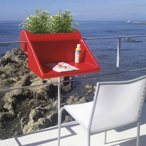 A hook on desk for your balcony for a new view when working - Table accroche balcon ...