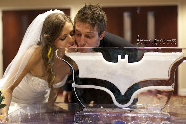 Batgirl Amp Nightwing Tie The Knot In This Awesome Batman