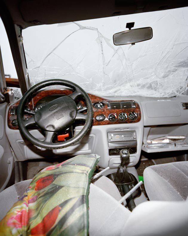 disturbing photos from the insides of cars involved in accidents. Black Bedroom Furniture Sets. Home Design Ideas