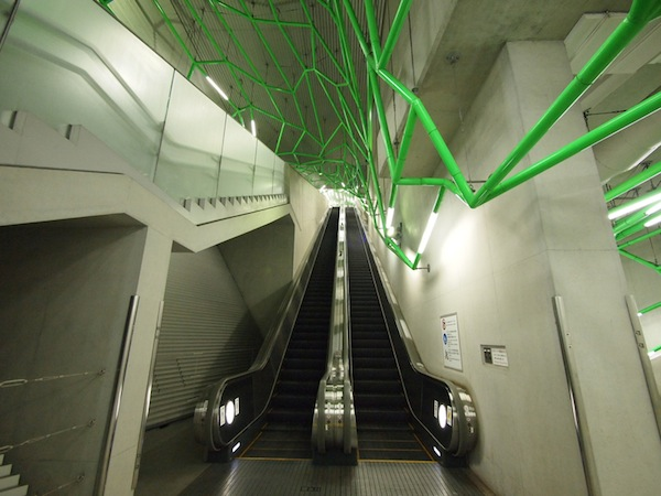 Fascinating Pictures Of Fantastic Escalators In Tokyo -3318