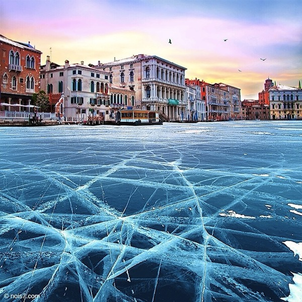 Wonderful Images Of Venice Where Its Canals Have Frozen
