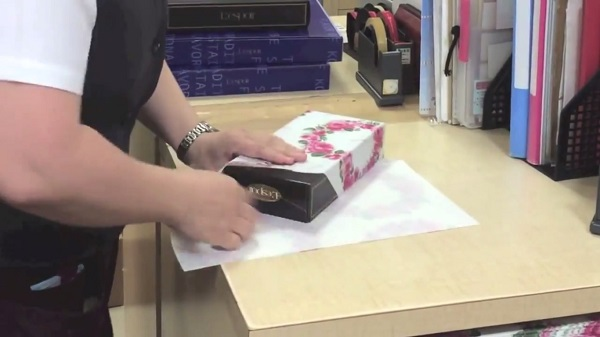 Wrap Your Christmas Presents Quickly, Easily With This Neat Gift ...