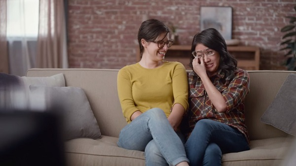 Hallmarks Beautiful Valentines Day Ad Stars A Real-Life -7231
