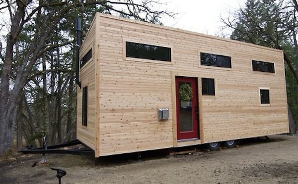 hOMe A Tiny Mobile Home On Wheels DesignTAXIcom