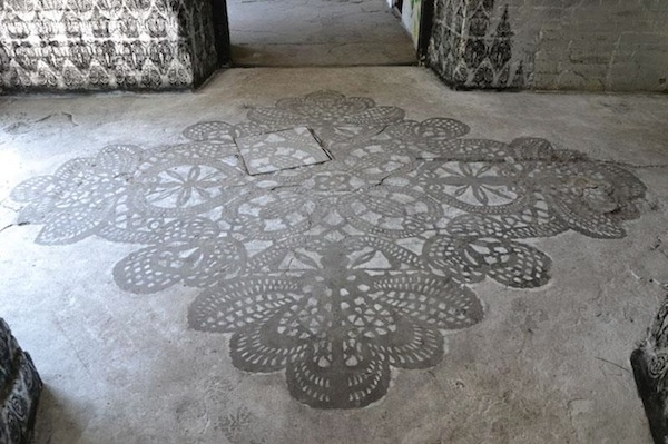Street Artist Decorates The Outdoors With Beautiful Lace