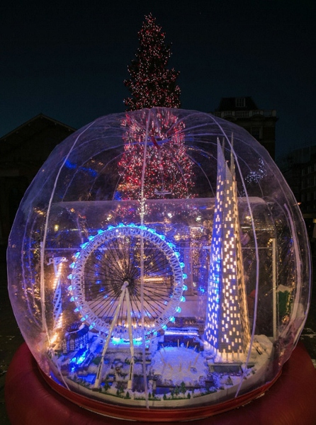 World S Largest Lego Snow Globe On Display In London