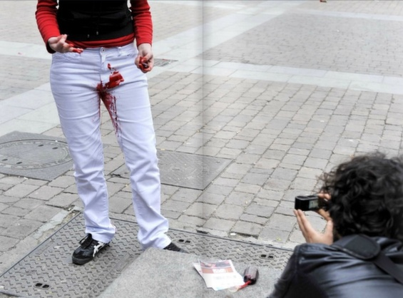 Women Wear White Pants Stained With Menstrual Blood  Make