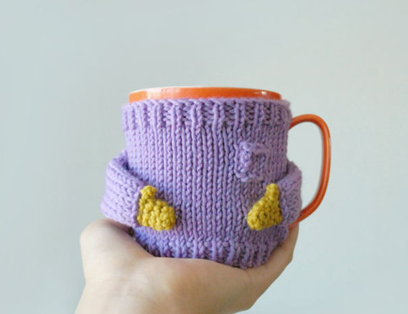 Adorable Miniature Knit Sweaters For Keeping Your Coffee