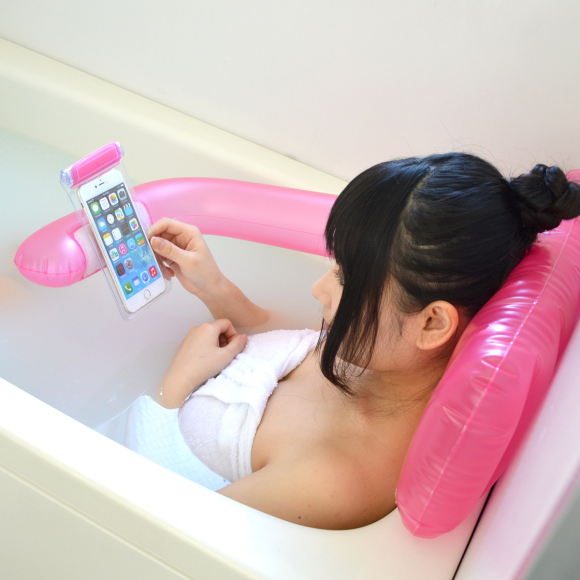 Awesome Inflatable Pillow Lets You Use Your Phone