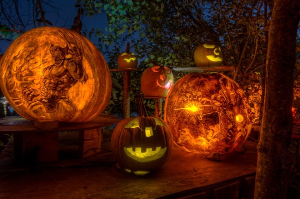 Amazing pumpkin carvings made from pens markers and