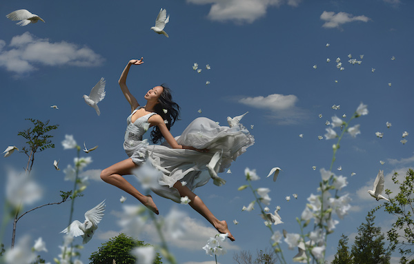 Theatrical, Wonderful Photographs Of Women 'Floating' In Enchanting Scenes - DesignTAXI.com