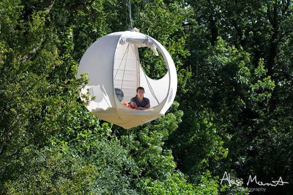 Advertisement & Lovely Round Tents That Hang On Trees Let You Camp Out In Style ...