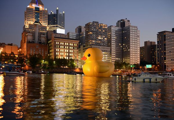 World S Biggest Rubber Duck Makes American Debut In