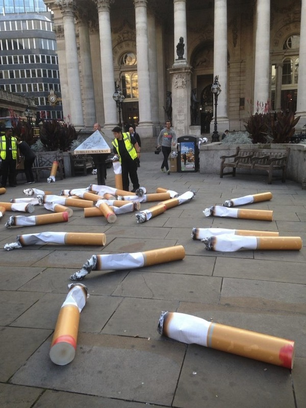 Gigantic cigarette butts litter the streets of london for Poster londra ikea