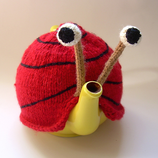 Knitting Pattern For Snail Tea Cosy : An Adorable Tea Cozy That Turns Your Teapot Into A Quirky Snail - DesignTAXI.com