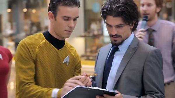 'Star Trek'-Inspired Teleportation Prank Fools Shoppers In A Mall
