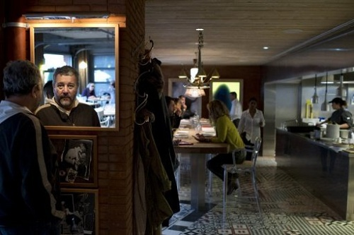 Philippe starck opens a restaurant in paris - Restaurant starck puces ...