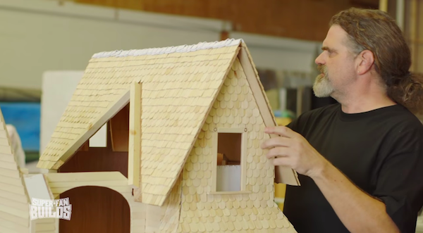 Pixar Fan Gets An Awesome 'Up' House Replica Built For His Pet Dog