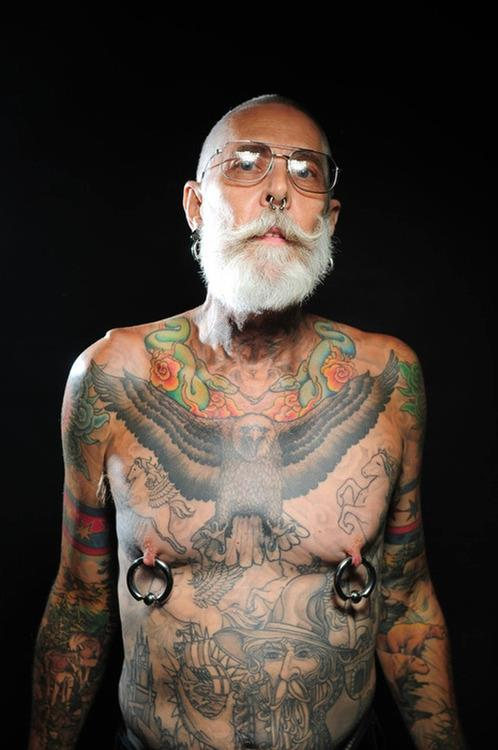 Photos of inked seniors show what tattoos look like on for Tattoos on old skin