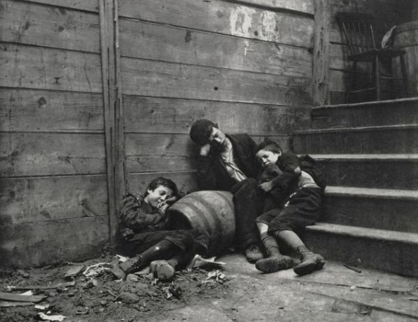 Jacob riiss photography and his ideas about improving conditions in new york slums